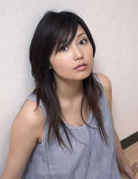 Beautiful young asian lingerie super idols loves modeling