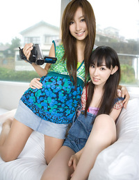 Two drop dead gorgeous gravure idol babes together in one book