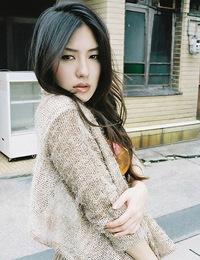 Enchanting asian beauty is incredibly stunning in her bikini